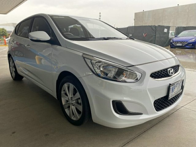 Used Hyundai Accent RB6 MY18 Sport Melton, 2018 Hyundai Accent RB6 MY18 Sport Chalk White 6 Speed Sports Automatic Hatchback
