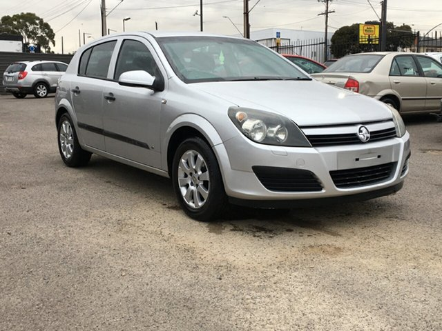 Used Holden Astra AH MY05 CD Blair Athol, 2005 Holden Astra AH MY05 CD Silver 5 Speed Manual Hatchback
