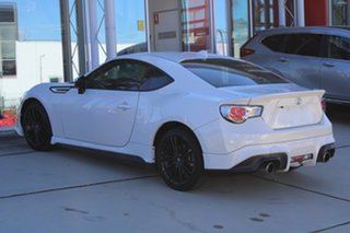 2015 Toyota 86 ZN6 Blackline Edition White 6 Speed Manual Coupe.