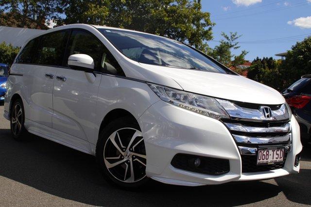 Used Honda Odyssey RC MY14 VTi-L Mount Gravatt, 2014 Honda Odyssey RC MY14 VTi-L White 7 Speed Constant Variable Wagon