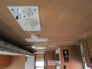 2004 Winnebago Explorer White Motor Home