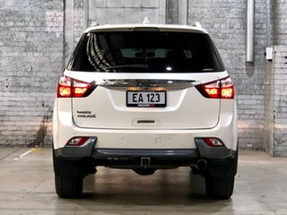 2016 Isuzu MU-X MY15 LS-T Rev-Tronic White 5 Speed Sports Automatic Wagon