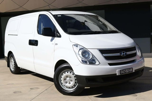 Used Hyundai iLOAD TQ2-V MY13 Tuggerah, 2013 Hyundai iLOAD TQ2-V MY13 White 6 Speed Manual Van