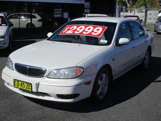 2000 Nissan Maxima A33 ST Pearl White 4 Speed Automatic Sedan.
