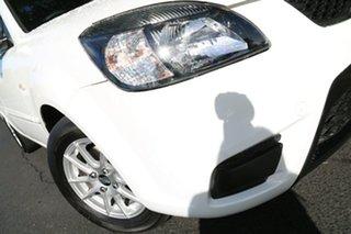 2010 Kia Rio JB MY11 SI White 5 Speed Manual Hatchback.
