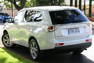 2013 Mitsubishi Outlander ZJ MY14 Aspire 4WD White 6 Speed Constant Variable Wagon.