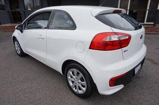 2015 Kia Rio UB MY16 S Clear White 4 Speed Sports Automatic Hatchback.