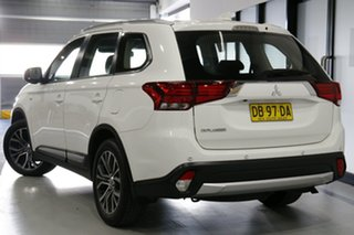 2017 Mitsubishi Outlander ZL MY18.5 ES ADAS 5 Seat (2WD) White Continuous Variable Wagon.