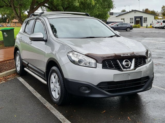 Used Nissan Dualis J10 Series II MY2010 ST Hatch Nailsworth, 2011 Nissan Dualis J10 Series II MY2010 ST Hatch Silver 6 Speed Manual Hatchback