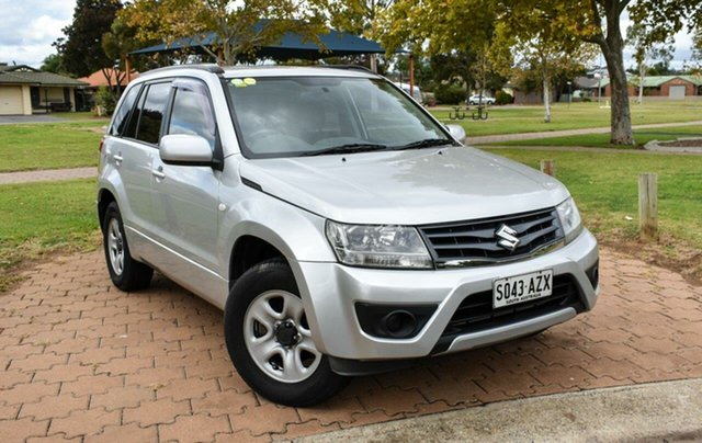 Used Suzuki Grand Vitara JB MY13 Urban 2WD Ingle Farm, 2012 Suzuki Grand Vitara JB MY13 Urban 2WD Silver 5 Speed Manual Wagon