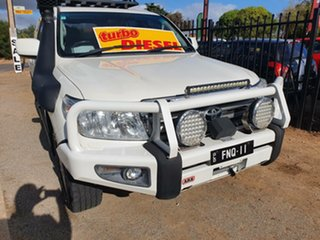 2011 Toyota Landcruiser VDJ200R MY10 Sahara Pearl White 6 Speed Sports Automatic Wagon.