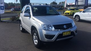 2014 Suzuki Grand Vitara JB Navigator Silver 5 Speed Manual Hardtop.