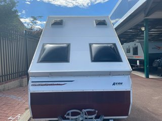 2000 AVAN A Liner Caravan.