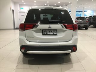 2017 Mitsubishi Outlander ZK MY17 LS 2WD White/gf7w 6 Speed Constant Variable Wagon