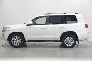 2021 Toyota Landcruiser VDJ200R VX Pearl White 6 Speed Sports Automatic Wagon.