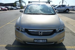 2004 Honda Odyssey 3rd Gen Luxury Gold Metallic 5 Speed Sports Automatic Wagon.