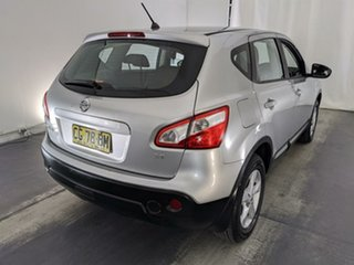 2010 Nissan Dualis J10 Series II MY2010 ST Hatch Silver 6 Speed Manual Hatchback