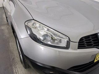 2010 Nissan Dualis J10 Series II MY2010 ST Hatch Silver 6 Speed Manual Hatchback.