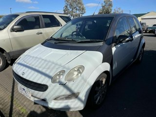 2005 Smart ForFour 454 Pulse Pearl White 6 Speed Auto Sequential Hatchback.