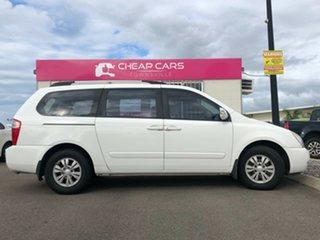 2011 Kia Carnival VQ MY11 S White 4 Speed Sports Automatic Wagon.