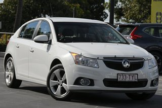 2014 Holden Cruze JH Series II MY14 Equipe White 5 Speed Manual Hatchback.