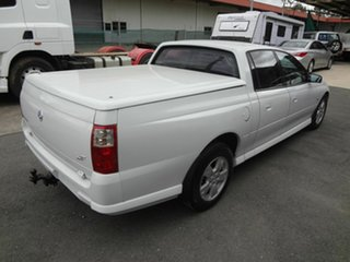 2007 Holden Crewman VZ MY06 Upgrade S White 4 Speed Automatic Crew Cab Utility.