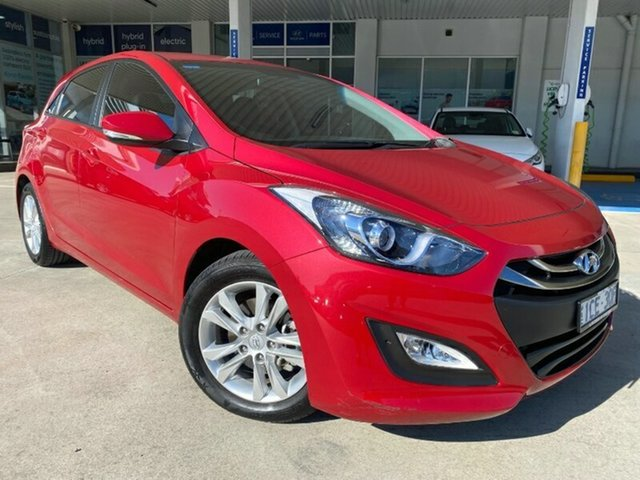Used Hyundai i30 GD2 MY14 SE Ravenhall, 2014 Hyundai i30 GD2 MY14 SE Red 6 Speed Sports Automatic Hatchback
