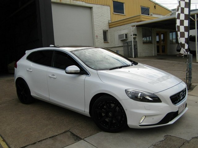 Used Volvo V40 M Series MY13 T5 Adap Geartronic R-Design Moorooka, 2013 Volvo V40 M Series MY13 T5 Adap Geartronic R-Design White 6 Speed Sports Automatic Hatchback