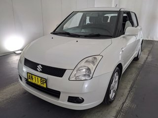 2006 Suzuki Swift RS415 White 4 Speed Automatic Hatchback.