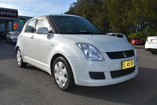 2010 Suzuki Swift RS415 White 4 Speed Automatic Hatchback.