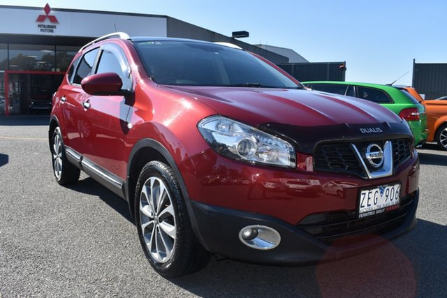 Used Nissan Dualis J107 Series 3 MY12 +2 Hatch X-tronic 2WD Ti Wantirna South, 2012 Nissan Dualis J107 Series 3 MY12 +2 Hatch X-tronic 2WD Ti Red/Black 6 Speed Constant Variable
