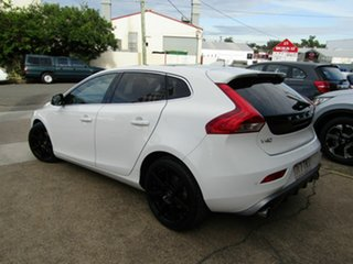 2013 Volvo V40 M Series MY13 T5 Adap Geartronic R-Design White 6 Speed Sports Automatic Hatchback.