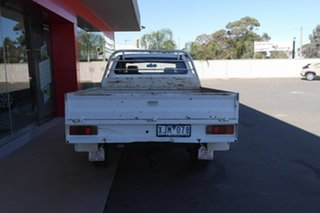 2009 Toyota Hilux KUN26R MY09 SR Xtra Cab White 5 Speed Manual Cab Chassis.
