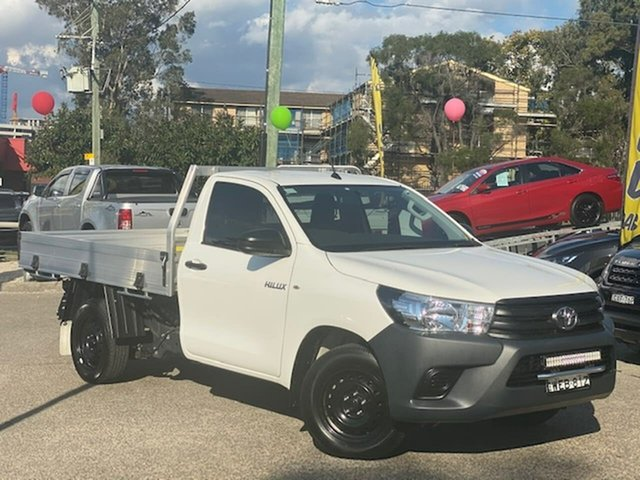Used Toyota Hilux TGN121R Workmate 4x2 Liverpool, 2019 Toyota Hilux TGN121R Workmate 4x2 White 5 Speed Manual Cab Chassis