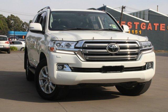 Used Toyota Landcruiser VDJ200R LC200 Sahara (4x4) West Footscray, 2018 Toyota Landcruiser VDJ200R LC200 Sahara (4x4) White 6 Speed Automatic Wagon