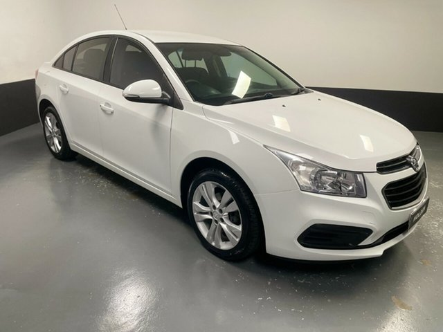 Used Holden Cruze JH Series II MY16 Equipe Hamilton, 2015 Holden Cruze JH Series II MY16 Equipe White 6 Speed Sports Automatic Sedan
