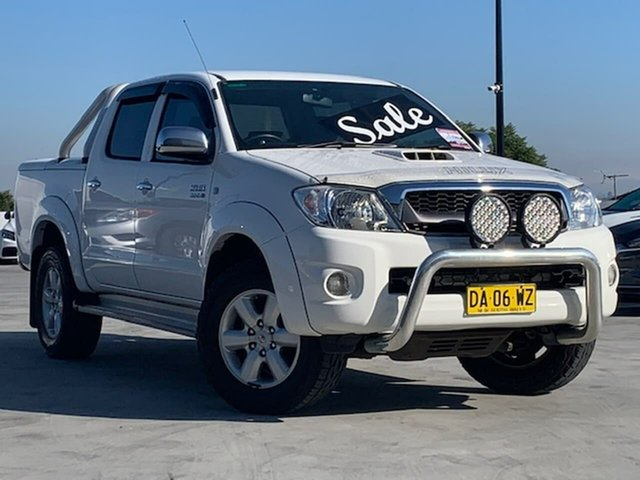 Used Toyota Hilux KUN26R MY12 SR5 Double Cab Liverpool, 2011 Toyota Hilux KUN26R MY12 SR5 Double Cab White 4 Speed Automatic Utility