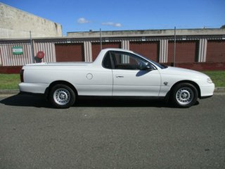 2001 Holden Ute VU White 4 Speed Automatic Utility.