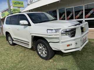 2016 Toyota Landcruiser VDJ200R MY16 Sahara (4x4) White 6 Speed Automatic Wagon.