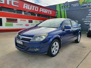 2005 Holden Astra AH MY05 CDXi Blue 5 Speed Manual Hatchback.