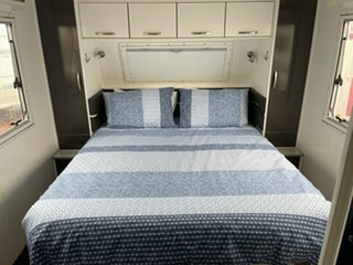2011 New Age The Jewel Caravan