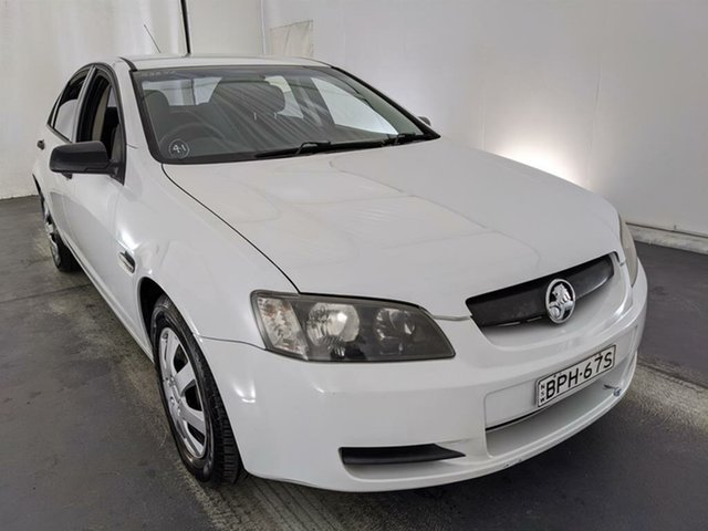 Used Holden Commodore VE Omega Maryville, 2007 Holden Commodore VE Omega White 4 Speed Automatic Sedan