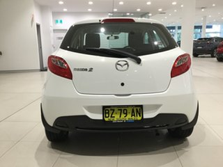 2013 Mazda 2 DE10Y2 MY13 Neo Crystal White Pearl 5 Speed Manual Hatchback