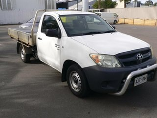 2006 Toyota Hilux GGN15R MY05 SR 4x2 White 5 Speed Manual Cab Chassis.