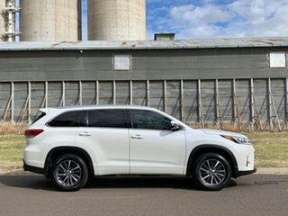 2017 Toyota Kluger GSU50R MY17 GXL (4x2) Crystal Pearl 8 Speed Automatic Wagon.
