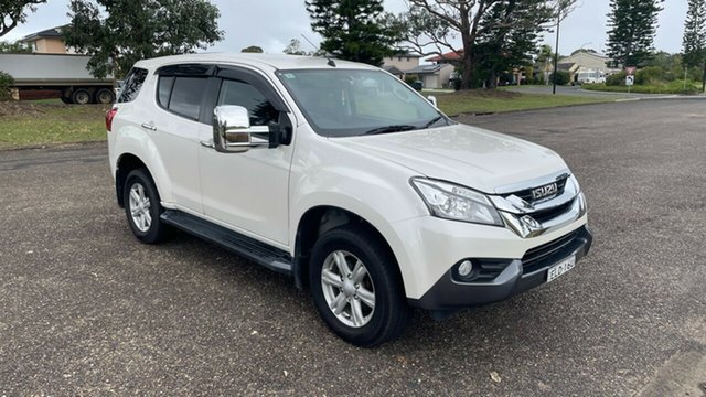Used Isuzu MU-X MY15 LS-U Rev-Tronic 4x2 Port Macquarie, 2015 Isuzu MU-X MY15 LS-U Rev-Tronic 4x2 White 5 Speed Sports Automatic Wagon