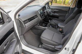2019 Mitsubishi Outlander ZL MY19 ES 5 Seat (2WD) White 5 Speed Manual Wagon