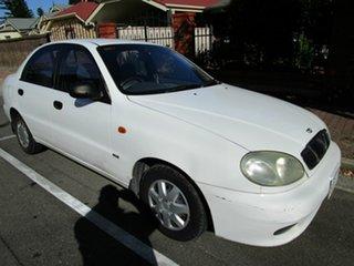 1999 Daewoo Lanos SE White 5 Speed Manual Sedan.