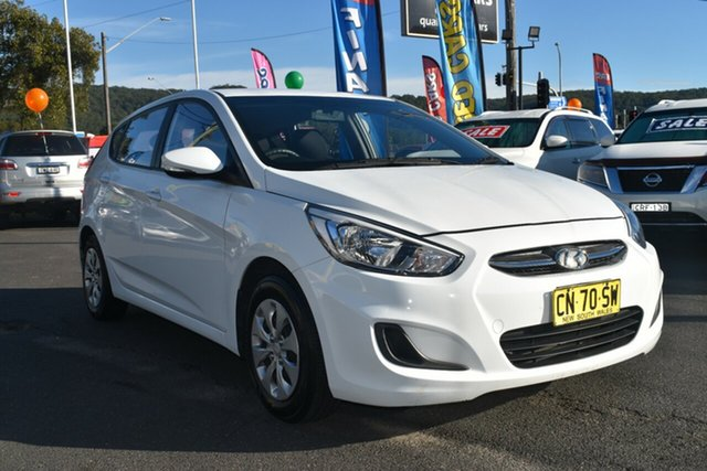 Used Hyundai Accent RB3 MY16 Active Gosford, 2016 Hyundai Accent RB3 MY16 Active White 6 Speed Constant Variable Hatchback