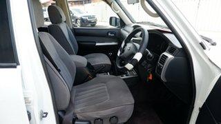 2013 Nissan Patrol Y61 GU 9 ST Pearl White 5 Speed Manual Wagon